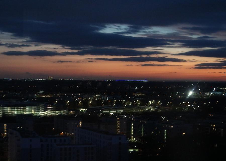 radisson-blu-frankfurt-zimmer-skyline