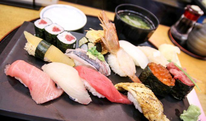 Tokyo Food Guide: 10 Dinge, die man in Tokyo unbedingt probieren sollte
