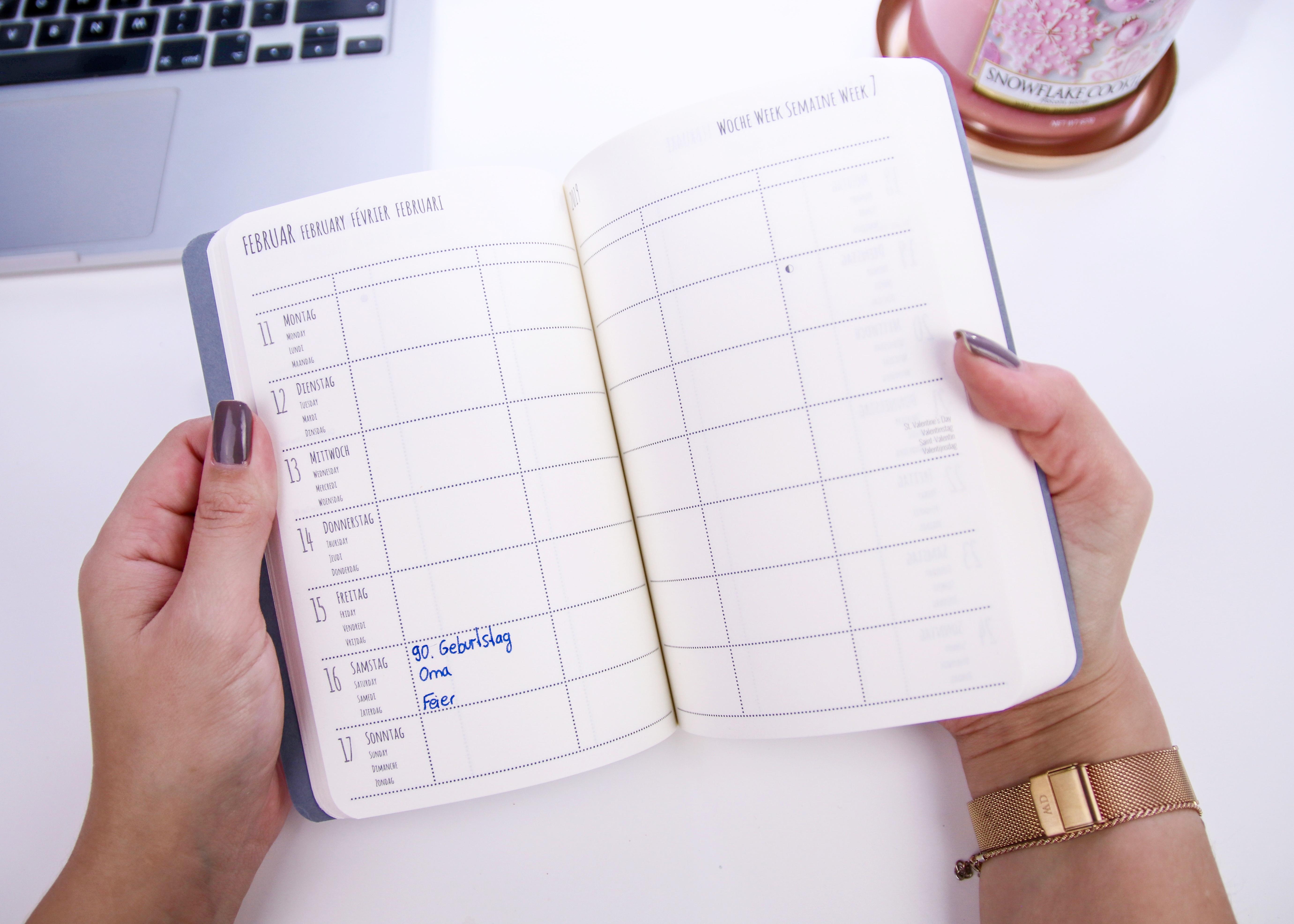 teNeues Buchkalender Glamline Grey